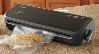 11 rows · As for countertop vacuum food savers, there are external vacuum sealers, which are more commonly found in home kitchens and chamber sealers. With external sealers, you slide the open end of a bag filled with food into the sealing section of the machine and it pulls air from the inside of the bag.