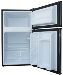 A Large, 1.1 Cubic Feet Freezer Section That Includes A Full Width Door  Shelf. This Is Great Not Just For Making And Storing Ice Cubes But A Range  Of Frozen ...